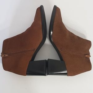 PAZZO Shoes - PAZZO brown suede side zip ankle bootie